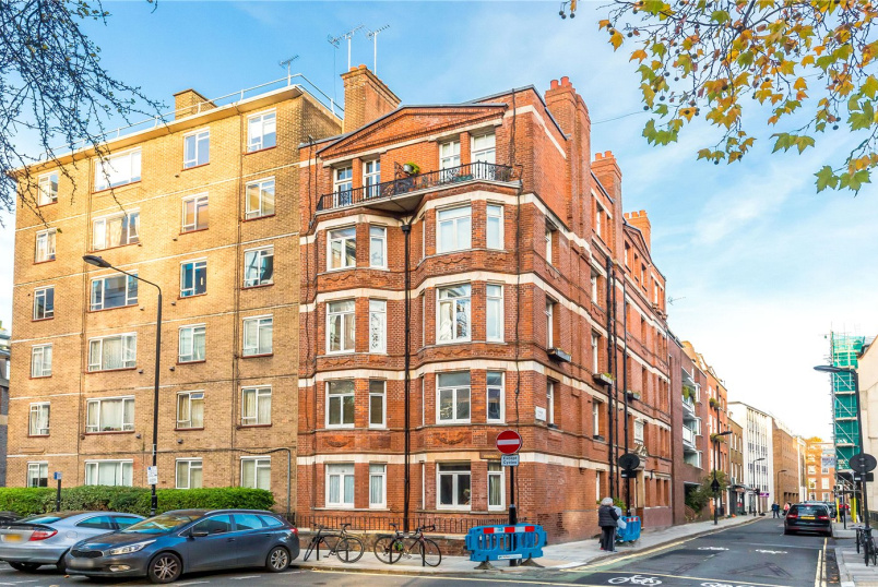 Flat/apartment for sale in West End - Kingsway Mansions, 23A Red Lion Square, London, WC1R