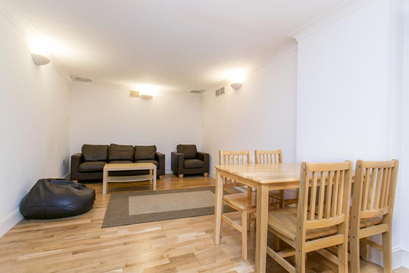 Flat/apartment to rent in Islington - Lough Road, Islington, N7