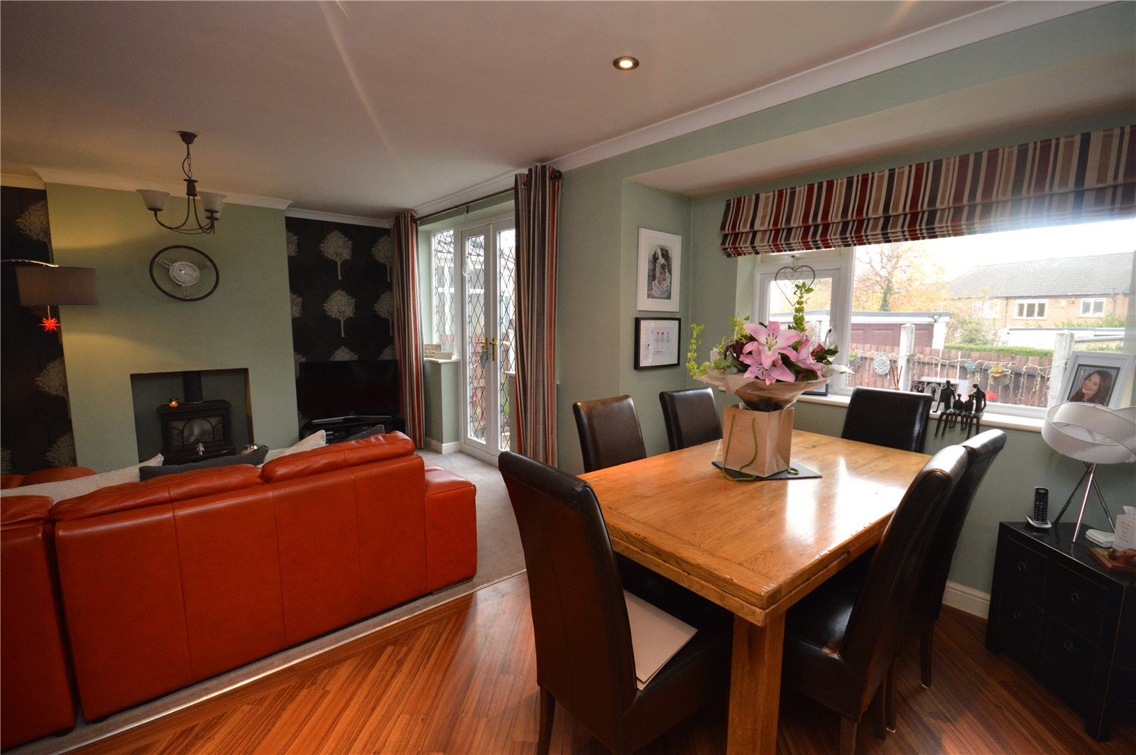 Property for sale in Calvlerley, interior dining room