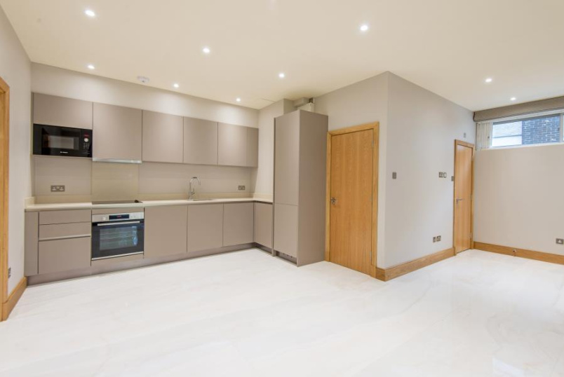 Flat to rent in St Johns Wood - IMPERIAL COURT, PRINCE ALBERT ROAD, NW8 7PT