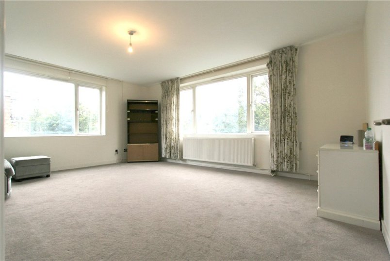 Flat/apartment to rent in Hendon - Edinburgh House, Tenterden Grove, London, NW4