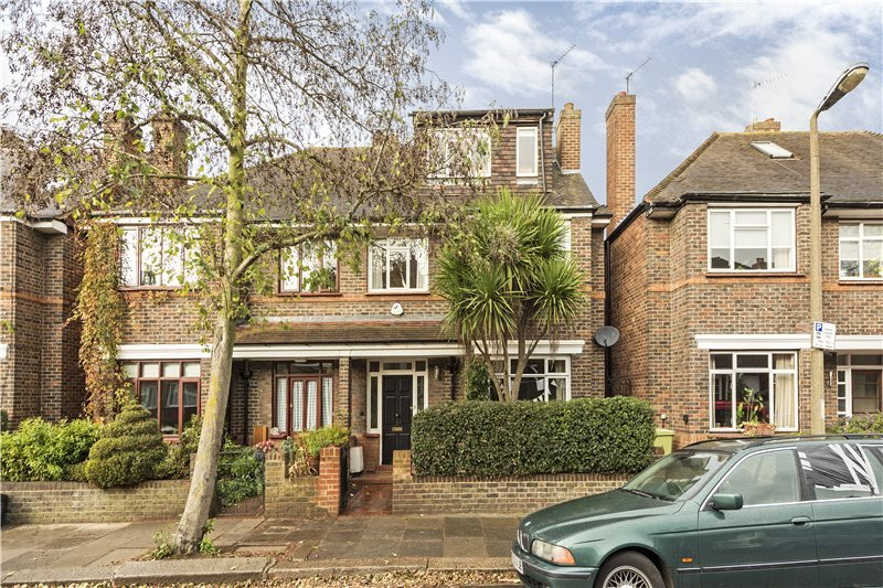 House to rent in Barnes - Brookwood Avenue, London, SW13