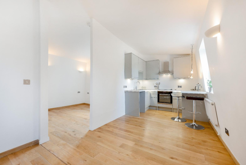 Apartment for sale in Clapham - PENSBURY PLACE, SW8