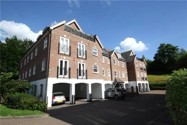 Flat/apartment to rent in Guildford - Clandon House, Sells Close, Guildford, GU1