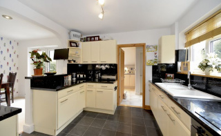 Sickle Road, Haslemere GU27