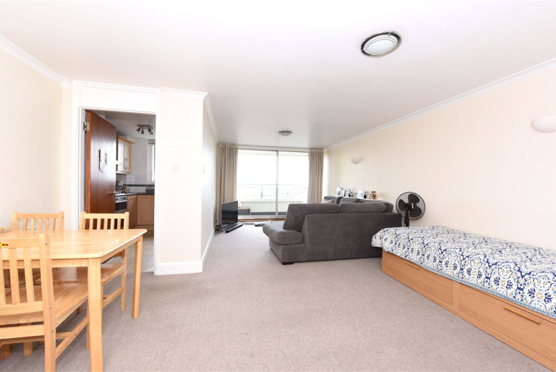 Flat/apartment to rent in Southfields - Lorne Court, 51 Putney Hill, London, SW15