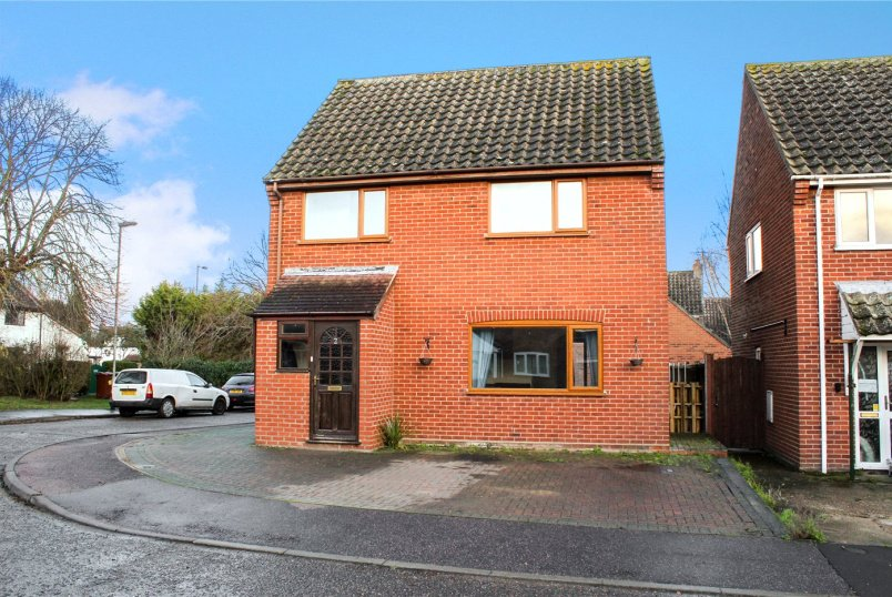 House for sale in Poringland - Windmill Close, Poringland, Norwich, NR14