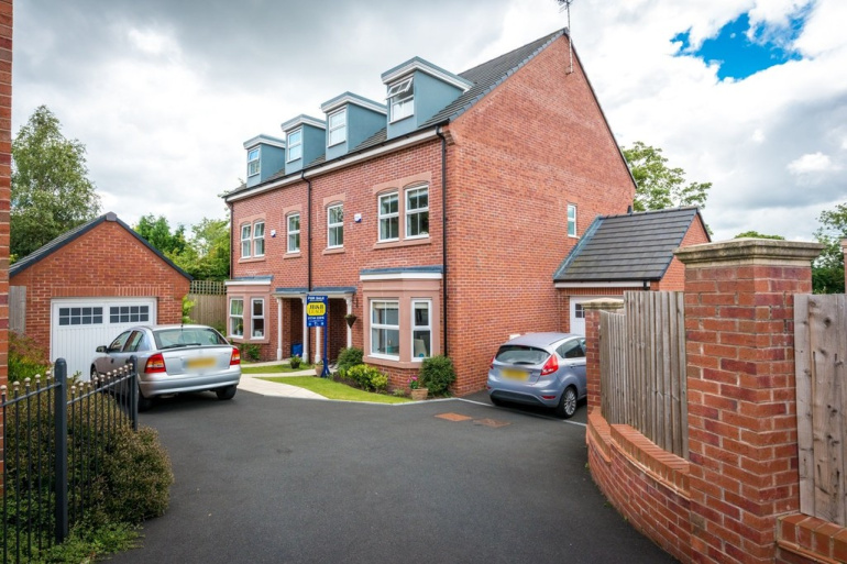 Stupendous 5 Bedroom Property For Sale In St Thomas Close Windle St Download Free Architecture Designs Scobabritishbridgeorg