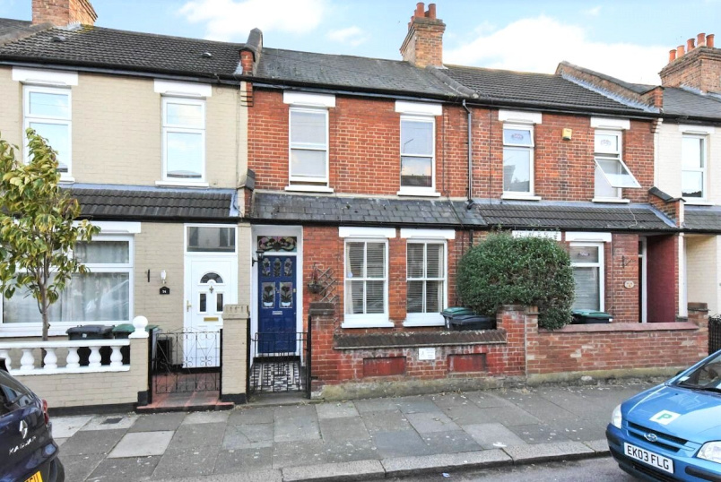 House for sale in Harringay - Rosebery Avenue, London, N17