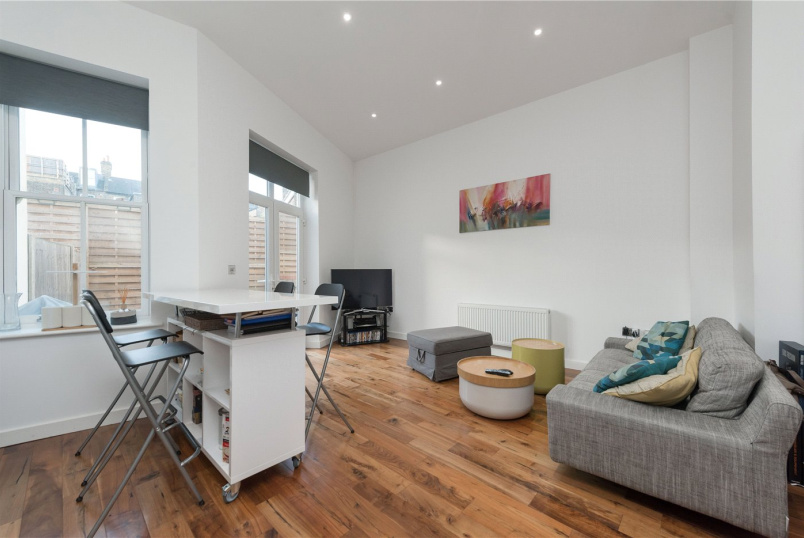 Flat/apartment to rent in Kensal Rise & Queen's Park - Malvern Road, Brent, London, NW6