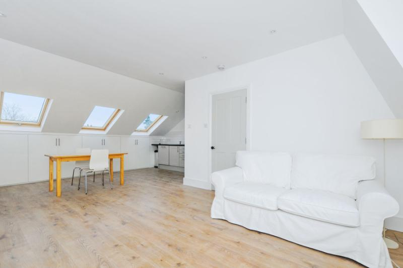 Flat/apartment to rent in Shepherds Bush & Acton - Stowe Road, London, W12