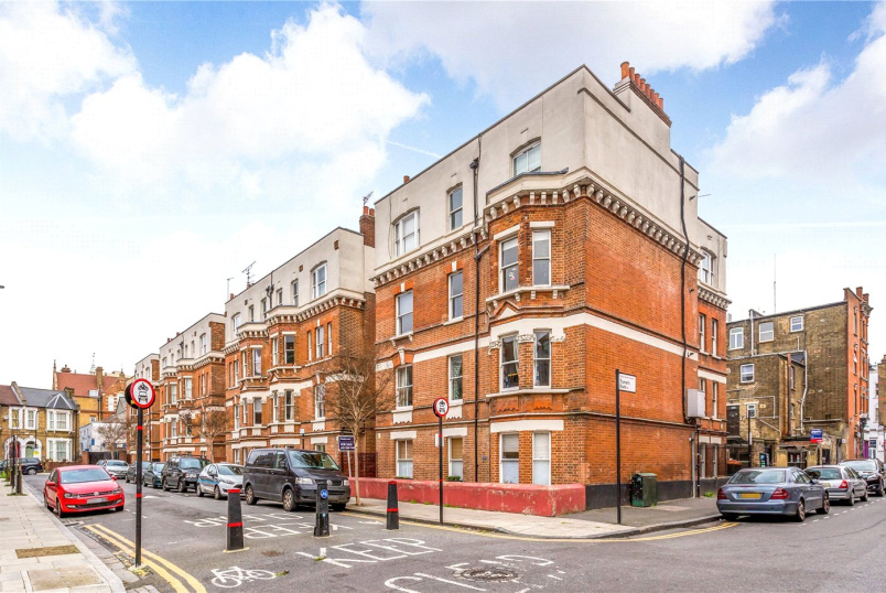 Flat/apartment for sale in Hackney - Eagle Mansions, Salcombe Road, London, N16