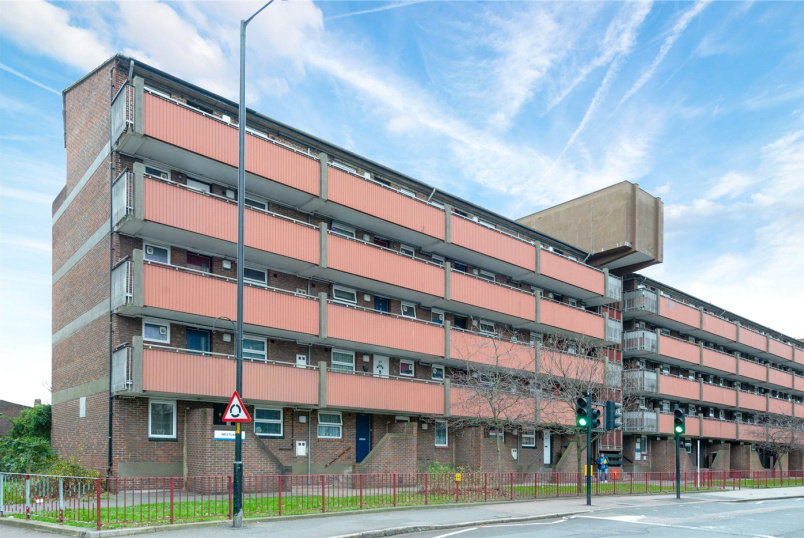 Flat/apartment for sale in Surrey Quays - Westlake, Rotherhithe New Road, London, SE16