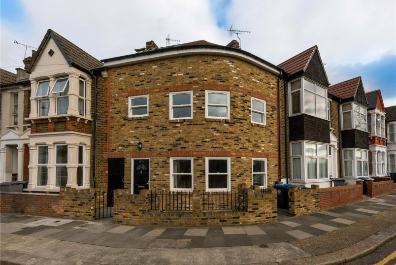 House for sale in Kensal Rise & Queen's Park - Harley Road, London, NW10