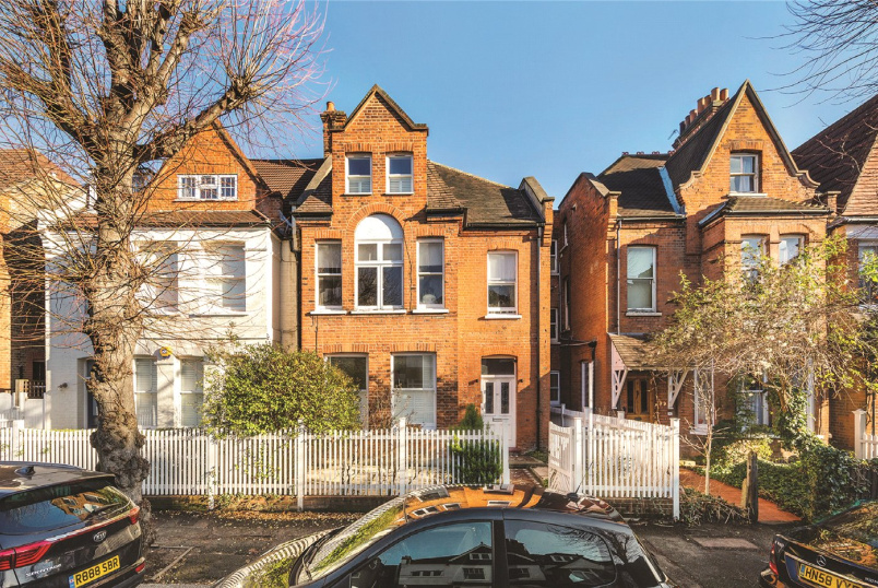 Flat/apartment for sale in Chiswick - Esmond Road, Chiswick, W4