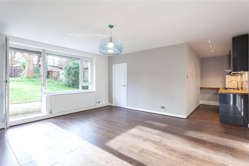 Flat/apartment for sale in Crouch End - Corrib Heights, Crescent Road, London, N8