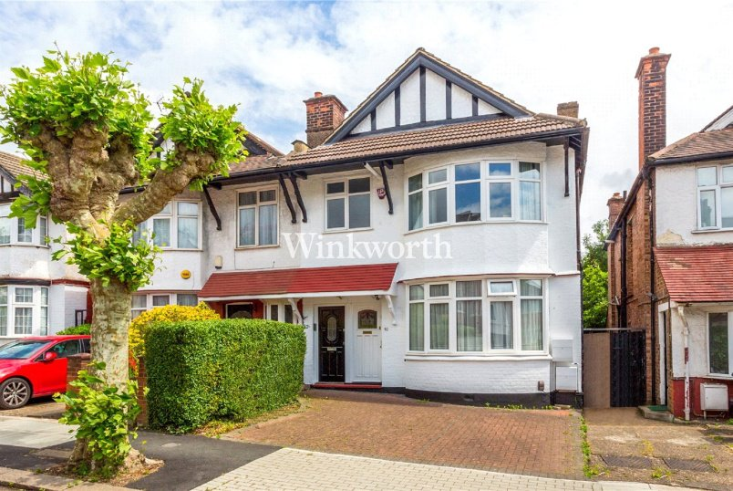 Flat/apartment for sale in Hendon - Sevington Road, London, NW4