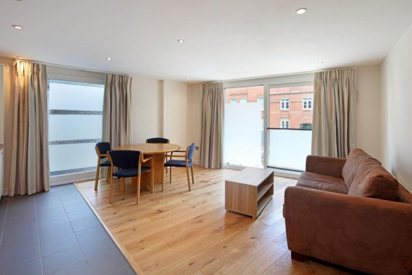 Flat/apartment to rent in Clerkenwell & City - Dickinson Court, 15 Brewhouse Yard, London, EC1V