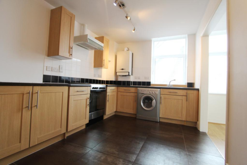 Flat/apartment to rent in Ealing & Acton - Woodgrange House, Ealing Common, W5