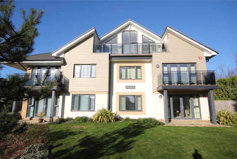 Flat/apartment for sale in Highcliffe - Temperance Lodge, 14 Wharncliffe Road, Christchurch, BH23