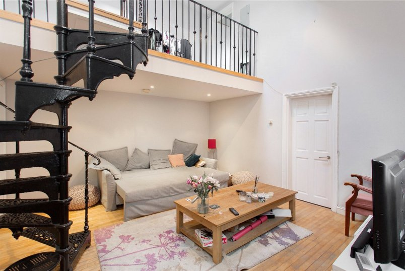 House for sale in Highbury - Avenell Road, London, N5