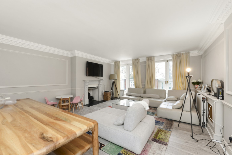 Flat to rent in St Johns Wood - HAMPSTEAD HEIGHTS, FITZJOHNS AVENUE, NW3 6PH