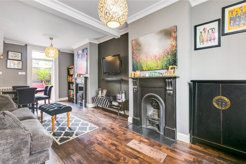 House for sale in Fulham & Parsons Green - Everington Street, Hammersmith And Fulham, London, W6