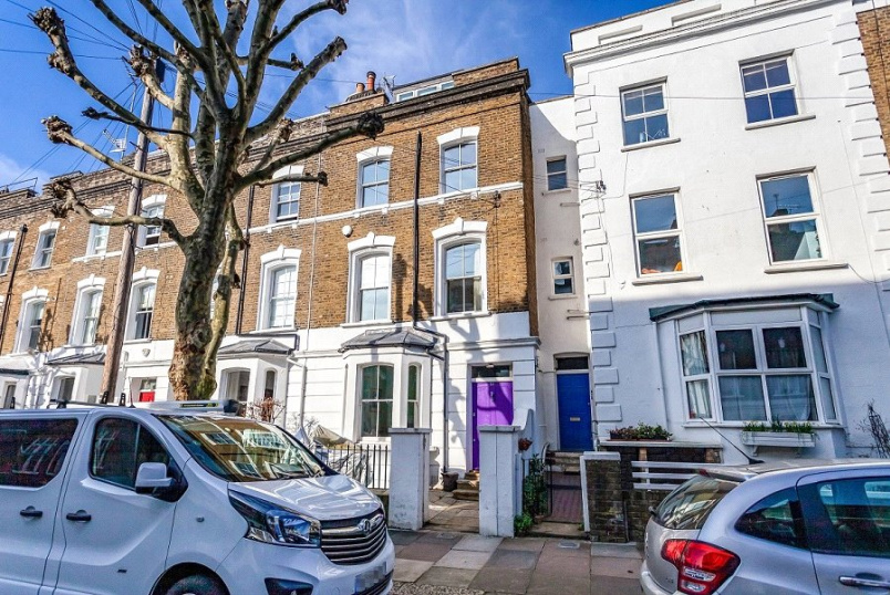 House for sale in Kentish Town - Falkland Road, Kentish Town, London, NW5