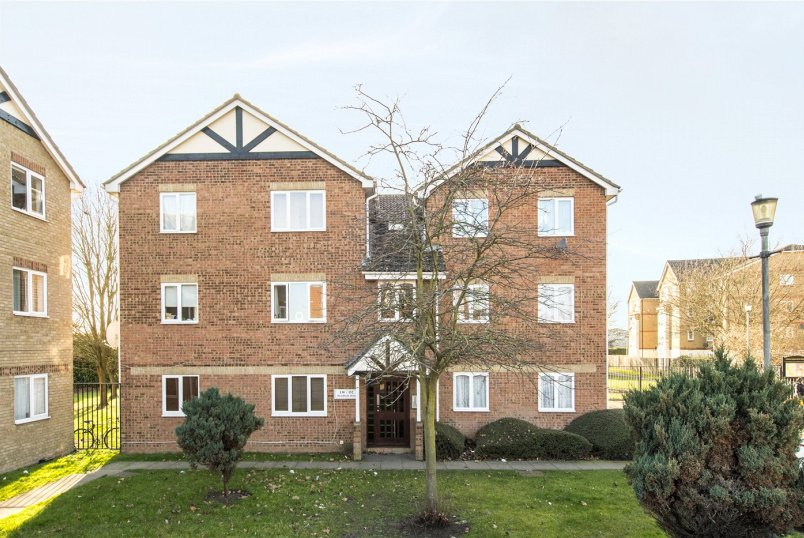Flat/apartment for sale in Streatham - Heathfield Drive, Mitcham, CR4