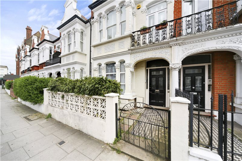 Flat/apartment for sale in Shepherds Bush & Acton - Pennard Road, London, W12
