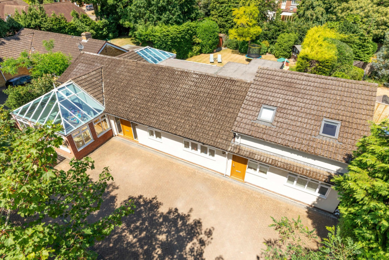 Detached house to rent in  - Broomfield Court, Weybridge, KT13