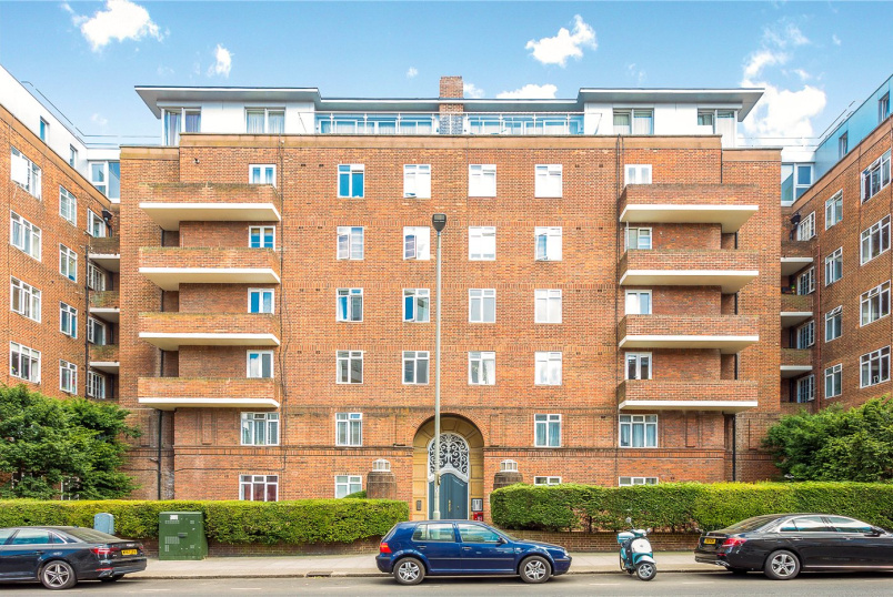 Flat/apartment to rent in Southfields - Millbrooke Court, Keswick Road, London, SW15