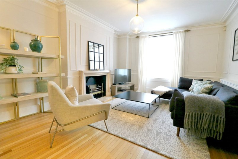 House to rent in Knightsbridge & Chelsea - Pelham Street, Chelsea, SW7
