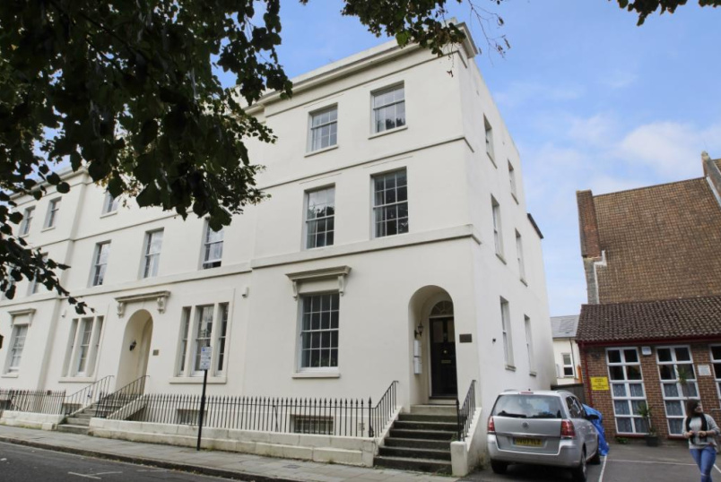 Maisonette to rent in  - Rockstone Place, Southampton, Hampshire, SO15