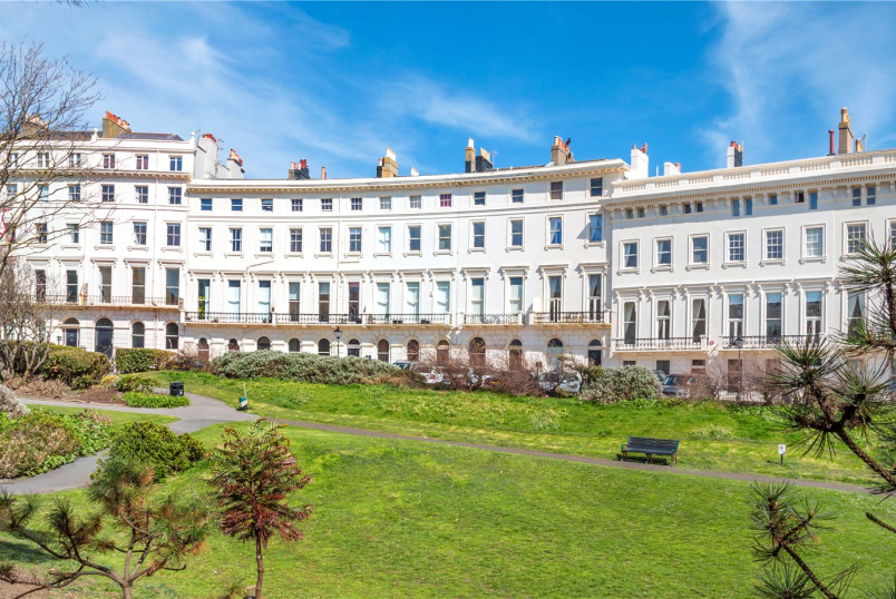 Flat/apartment for sale in Brighton & Hove - Adelaide Crescent, Hove, East Sussex, BN3