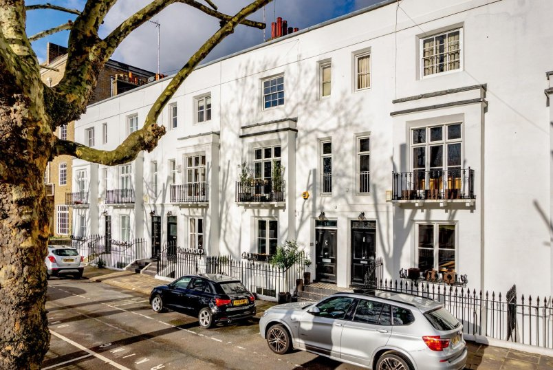 House - terraced for sale in Pimlico and Westminster - BARKHAM TERRACE, KENNINGTON, SE1