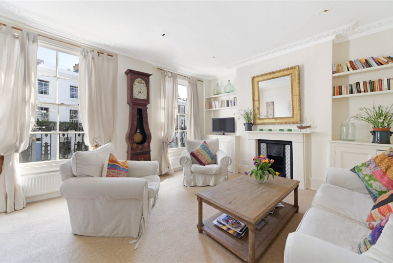Maisonette to rent in Notting Hill - Portland Road, London, W11