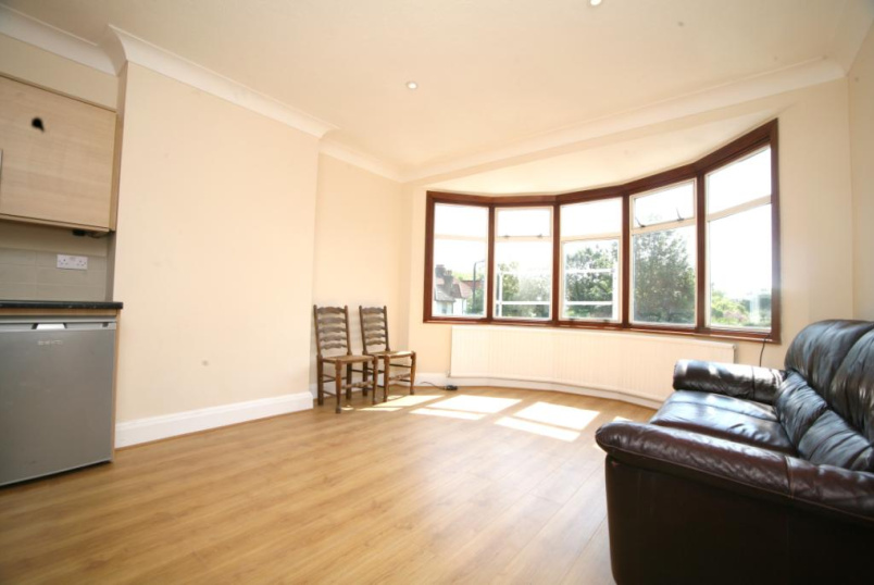 Flat/apartment to rent in Kensal Rise & Queen's Park - Furness Road, Kensal Green, NW10