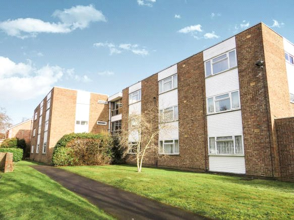 Flat/apartment to rent in Romsey - Selborne Court, Tavistock Close, Romsey, SO51