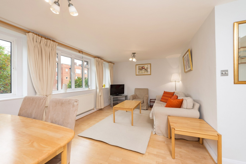 Flat to rent in St Johns Wood - EAMONT COURT, ST JOHN'S WOOD, NW8 7DN