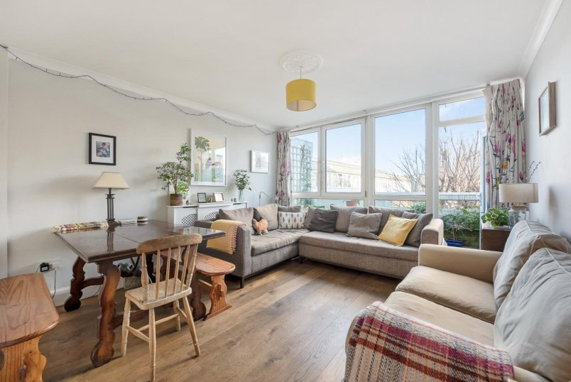 Flat for sale in Battersea - FOWLER CLOSE, SW11