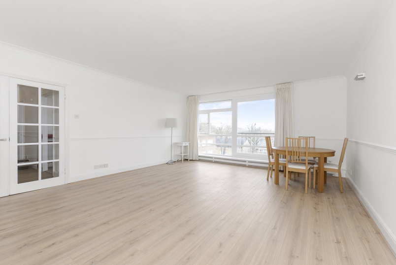 Flat to rent in St Johns Wood - WALSINGHAM, QUEENSMEAD, NW8 6RJ