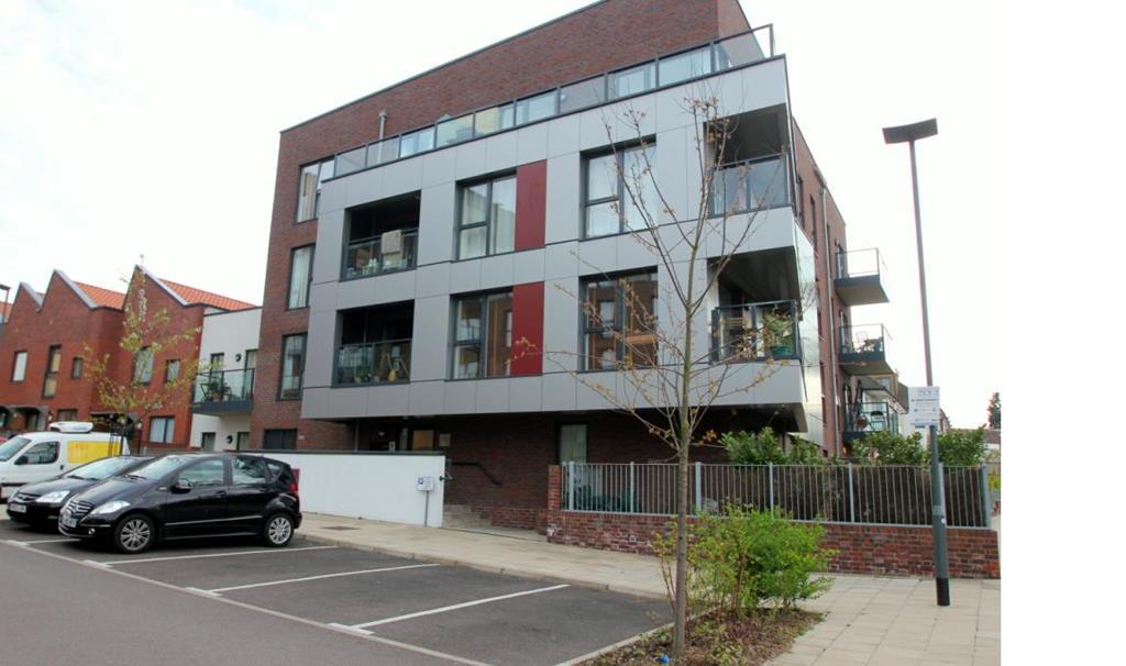 Modern Two Bedroom Apartment | Parking Space| Welsh Harp Nature Reserve | NW9 Image 13