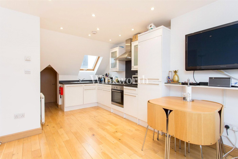 Flat/apartment to rent in Golders Green - Golders Green Road, London, NW11