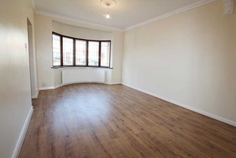 House to rent in Ealing & Acton - Friars Place Lane, Acton, W3