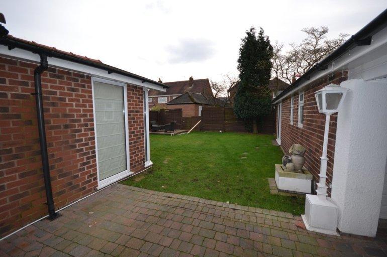 3 Bedroom Property For Sale In Oak Tree Road, Eccleston