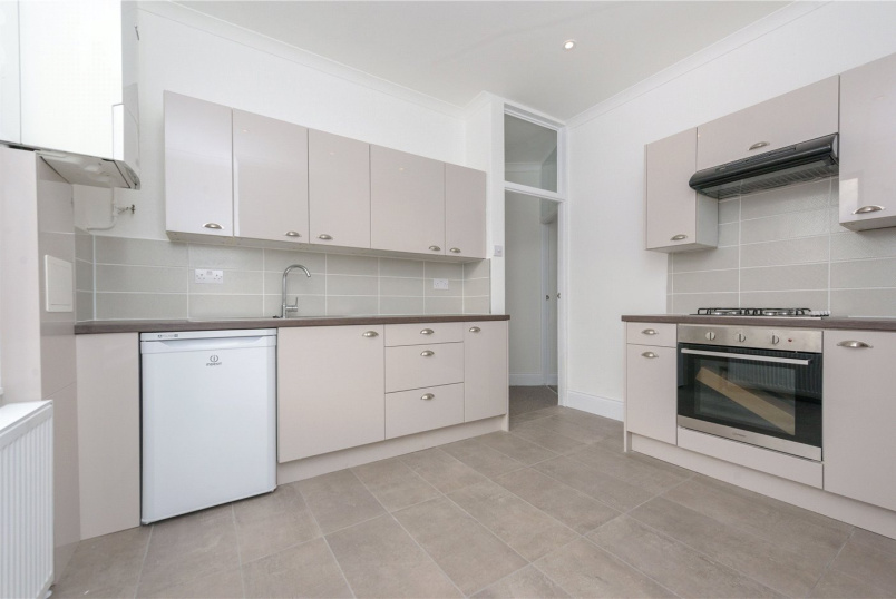 Flat/apartment to rent in Willesden Green - Chapter Road, London, NW2
