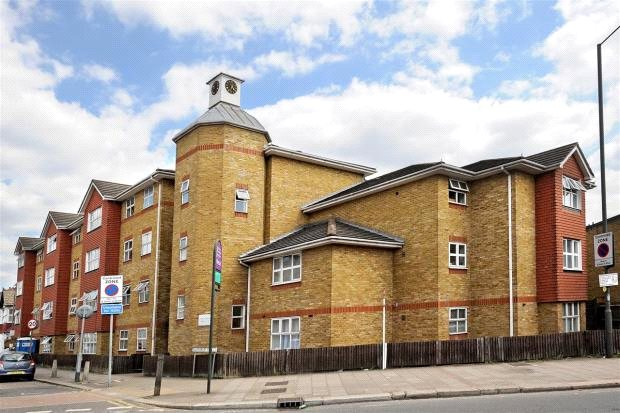 Flat/apartment for sale in Southfields - Times Court, 24 Ravensbury Road, London, SW18