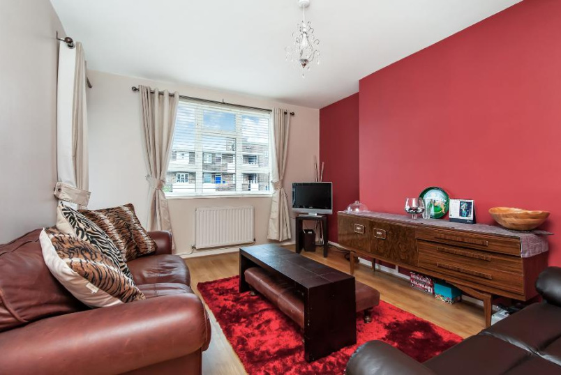 Flat to rent in Kennington - THESSALY ROAD, SW8