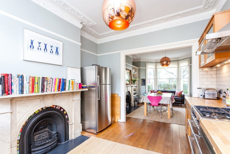 House for sale in Kentish Town - Tabley Road, London, N7